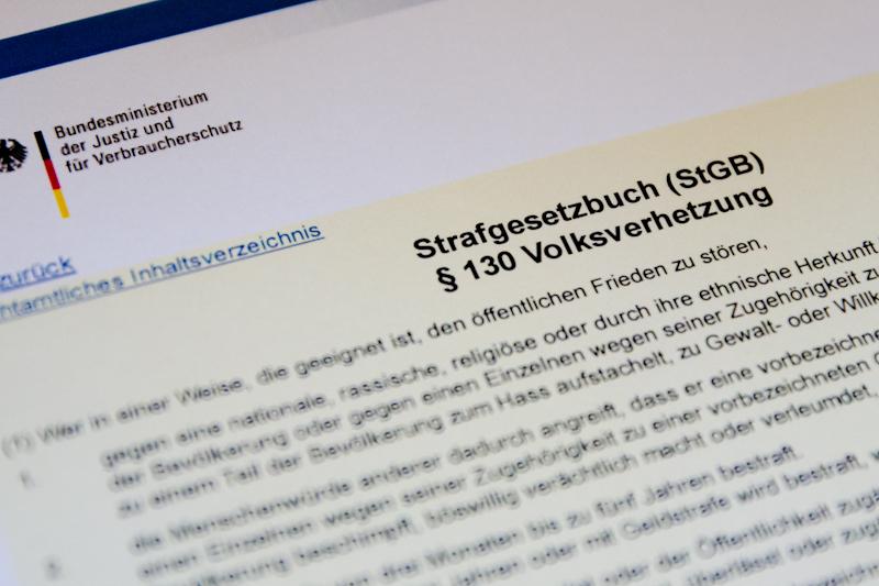 Von Juristen Erklärt Wann Aus Hetze Eine Straftat Wird Ig Metall